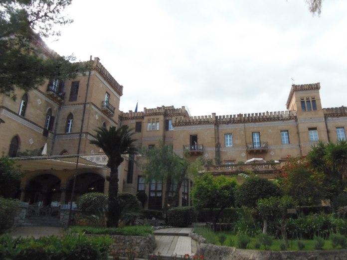 L'arrière de la Villa Igiea donne sur la mer.