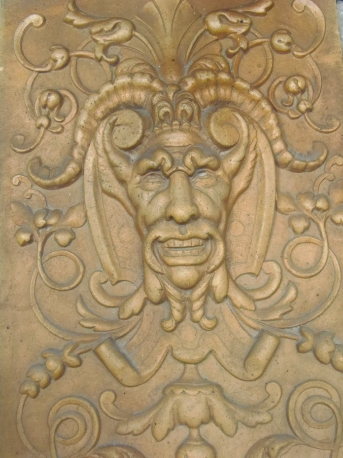 Plaque décorative en grès sortant des ateliers Oustau