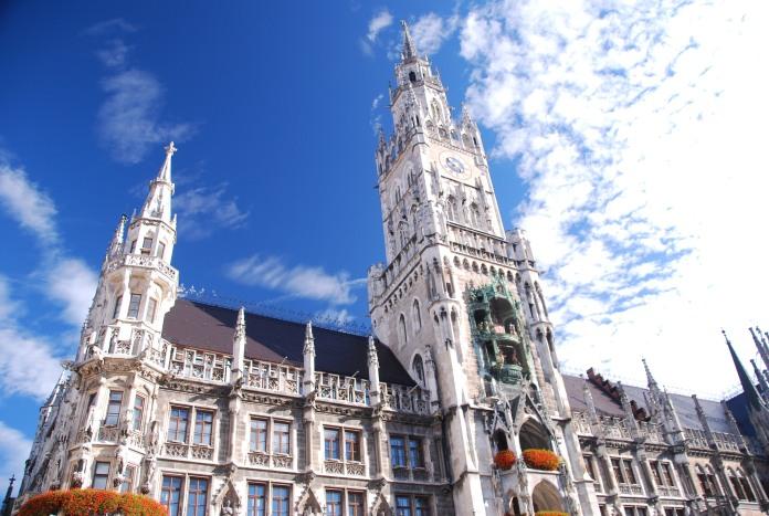 Le Neues Rathaus, Nouvel Hôtel de Ville, est l'un des bâtiments emblématiques de Munich.