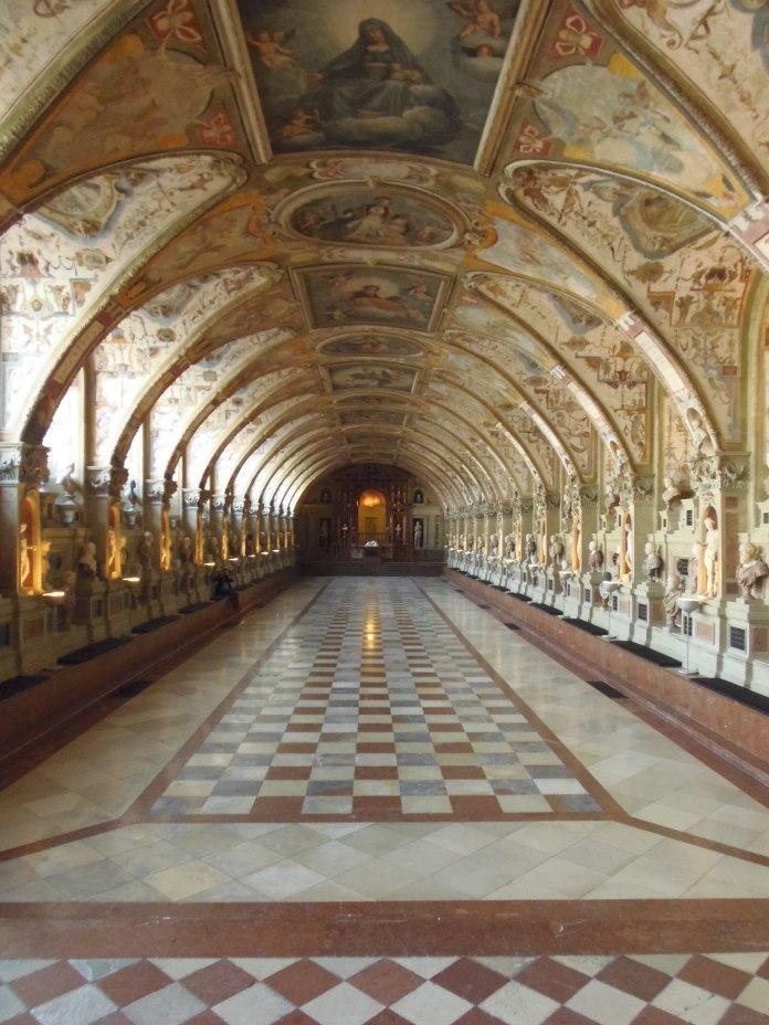 Au sein de  Residenz, l'Antiquarium déploient ses magifiques voûtes.