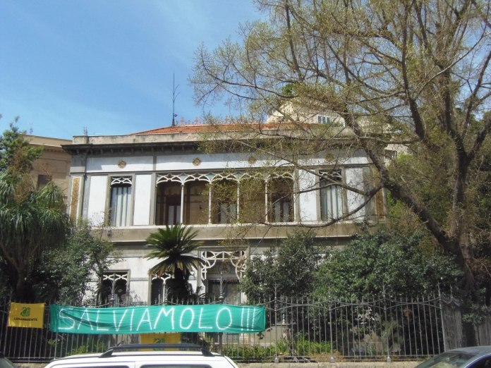 L'état d'abandon dans lequel se trouve la Villa Favarolo di Stefano a, semble-t-il, ému quelques Palermitains.
