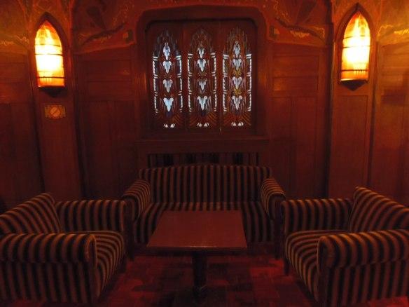 Alcôve pour se retrouver entre amis au cinéma Tuschinski à Amsterdam.