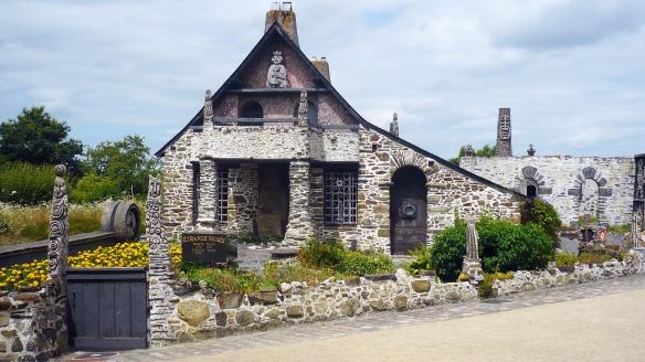 Musée Robert Tatin, crédit photo Mayenne Tourisme.