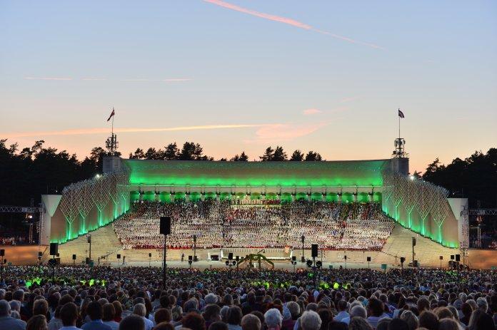 Festival des danses et chants de Riga. Crédit photo Rigas Mezi.