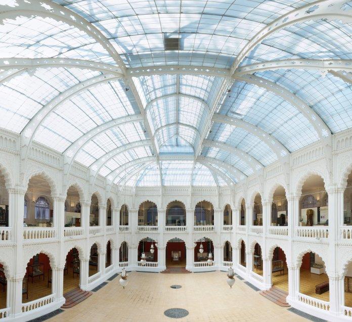 Grande nef du musée des Arts décoratifs de Budapest. Crédit photo musée des Arts décoratifs de Budapest.