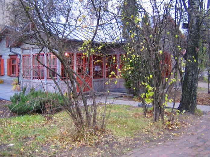 Maison en bois bicolore (Riga).