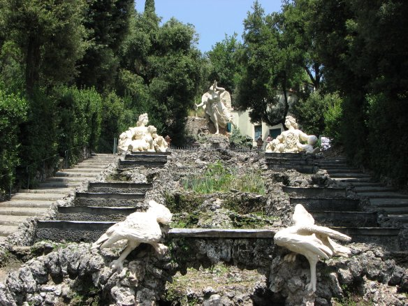 Cascade de la Villa Garzoni. Courtesy Lionard, crédit photo Lionard.