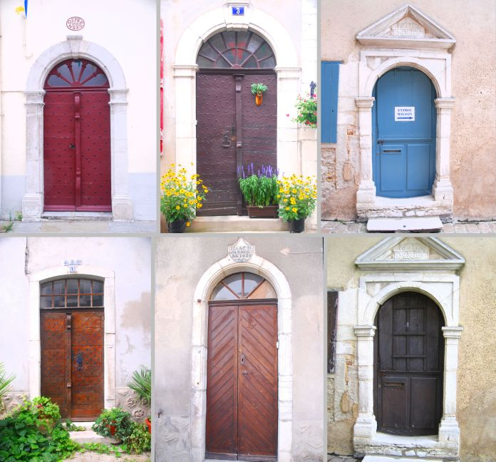 Ensemble de portes anciennes de Salies-de-Béarn.