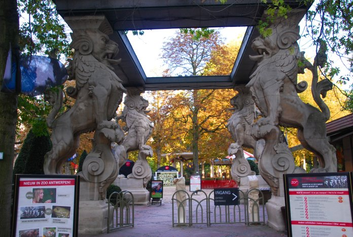 Portique zoo Anvers http://citybreaksaaa.com