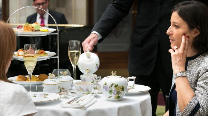 Tea time Gresham Palace Budapest Four Seasons