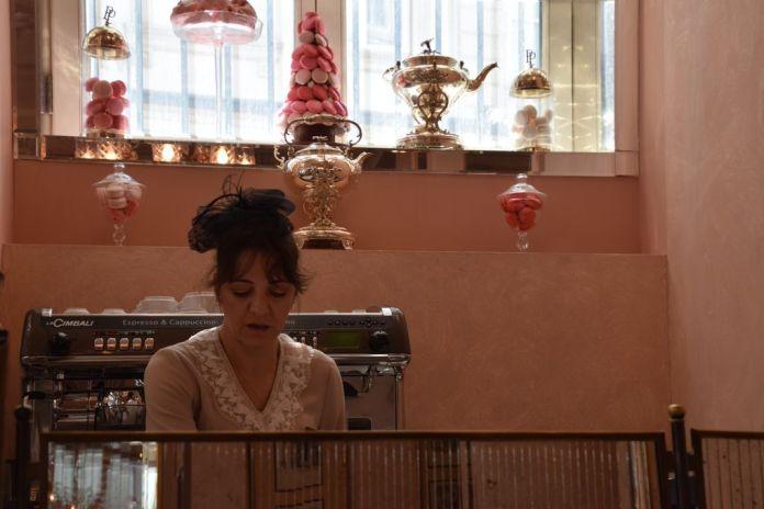 Pera Palace Istanbul salon de thé uniforme