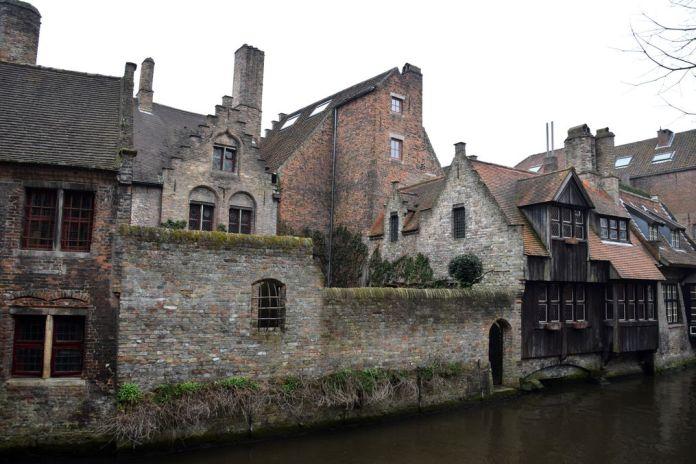 façades canal Bruges Brugge