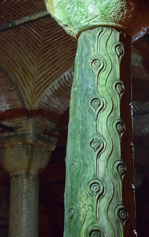 Pilier ouvragé citerne basilique Istanbul
