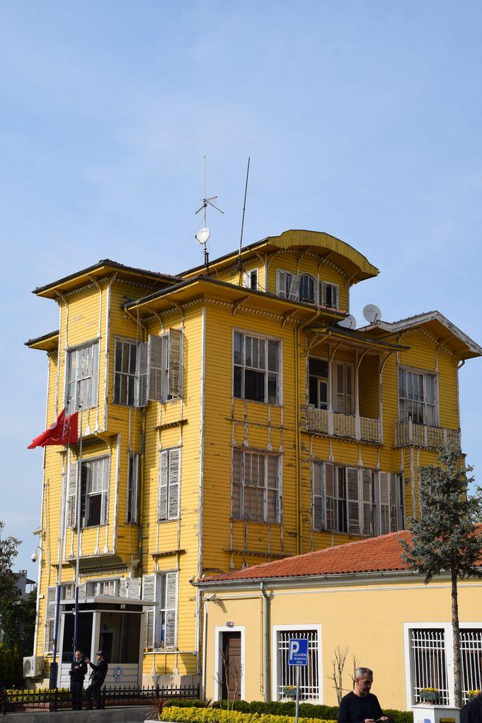 maison bois commissariat istanbul