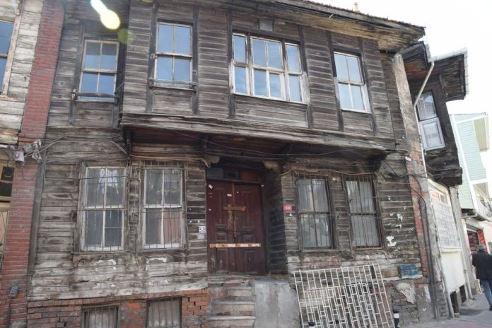 bois Istanbul maison