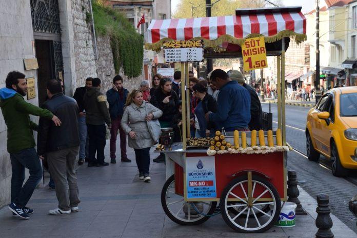 vendeur épis de maïs istanbul