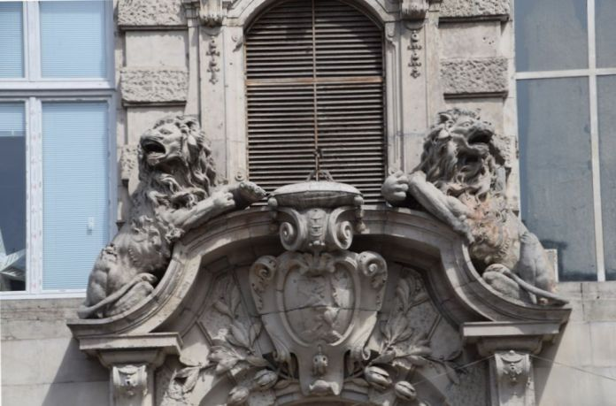 lions féroces Budapest Hongrie Hungary