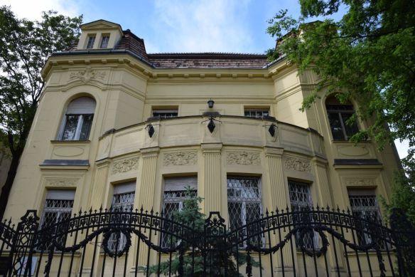 jaune et grille Budapest Hongrie Hungary