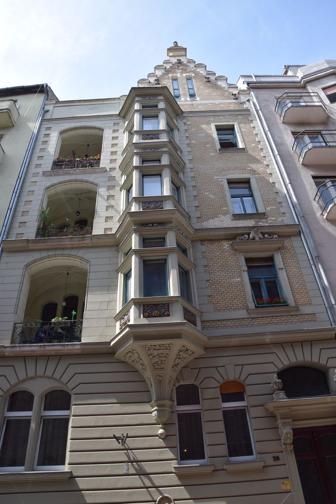 bow window niches Budapest Hongrie Hungary