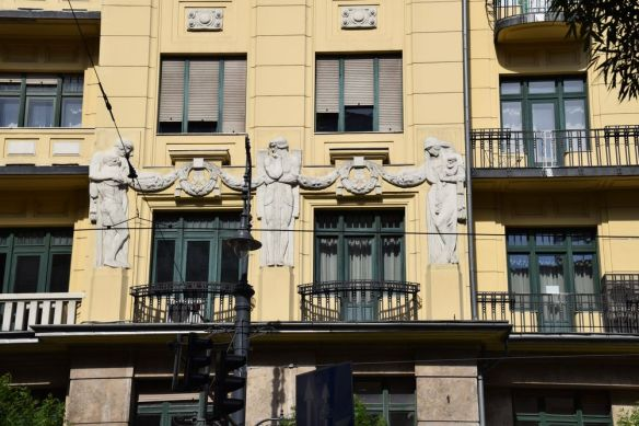détail immeuble jaune Budapest Hongrie Hungary