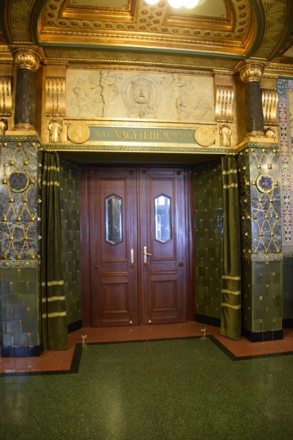 porte latérale Académie Liszt Budapest Hongrie Hungary