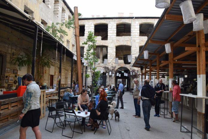bar de ruines Ankart Budapest Hongrie Hungary