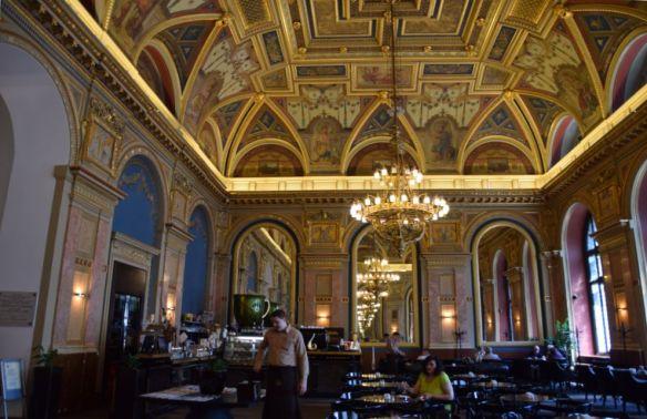 BookCafé Budapest Hongrie Hungary