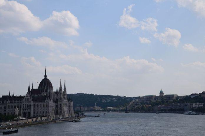 vue depuis le pont Marguerite Budapest Hongrie Hungary