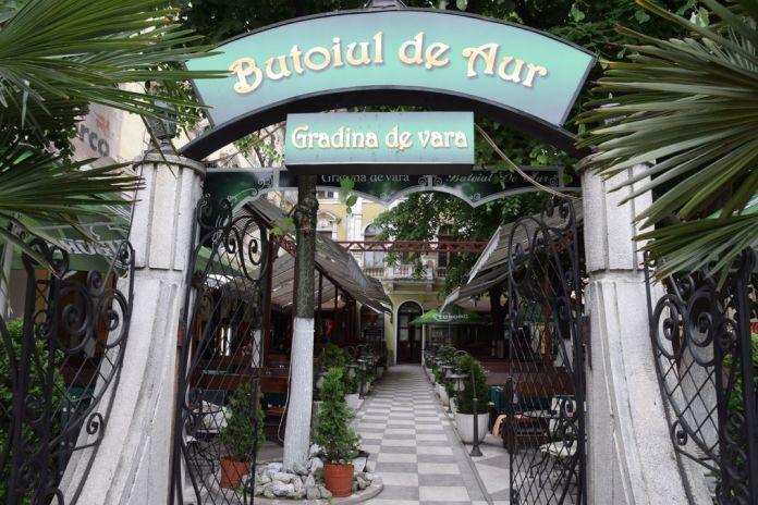 jardin terrasse Butoiul de Aur Oradea Roumanie