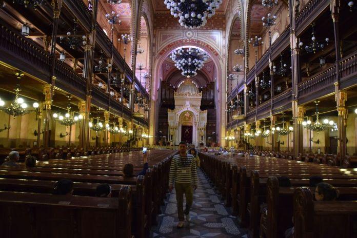 intérieur Grande Synagogue Budapest Hongrie Hungary
