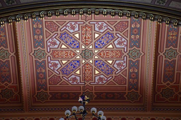 plafond grande synagogue Budapest Hongrie Hungary