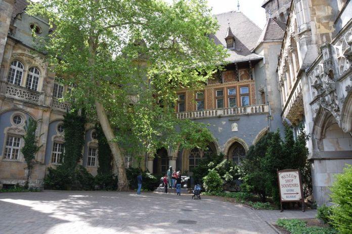 intérieur Vajdahunyad Budapest Hongrie Hungary