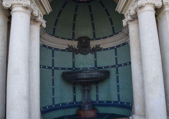 fontaine pavillon du jardin royal Budapest Hongrie Hungary
