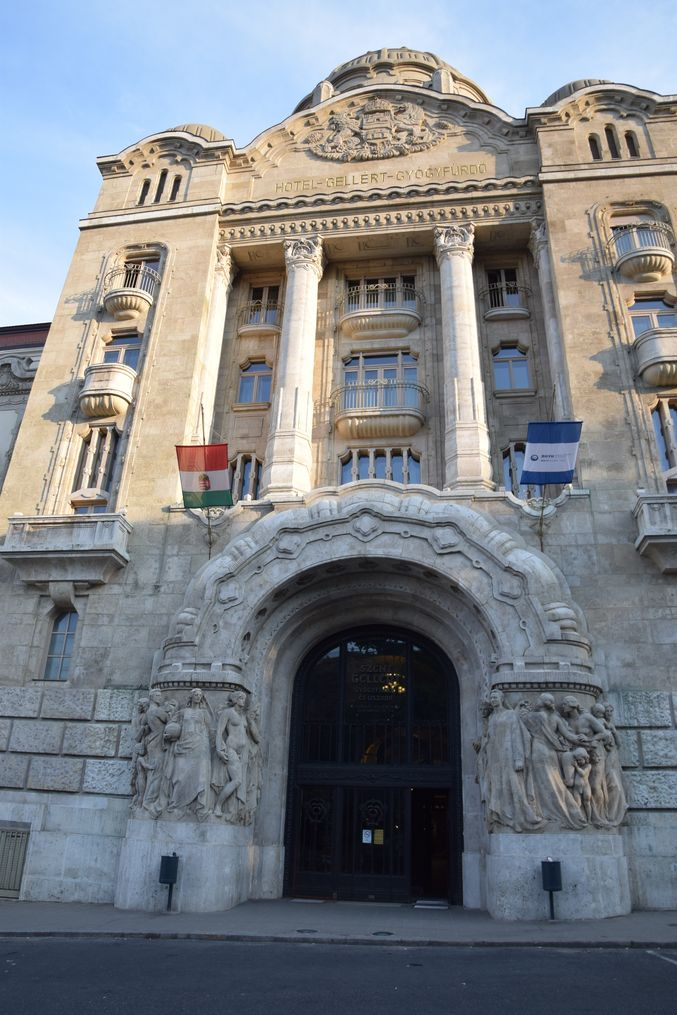 entrée bains gellert Budapest Hongrie Hungary
