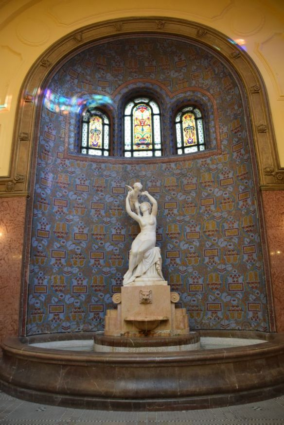 fontaine bains Gellert Budapest Hongrie Hungary