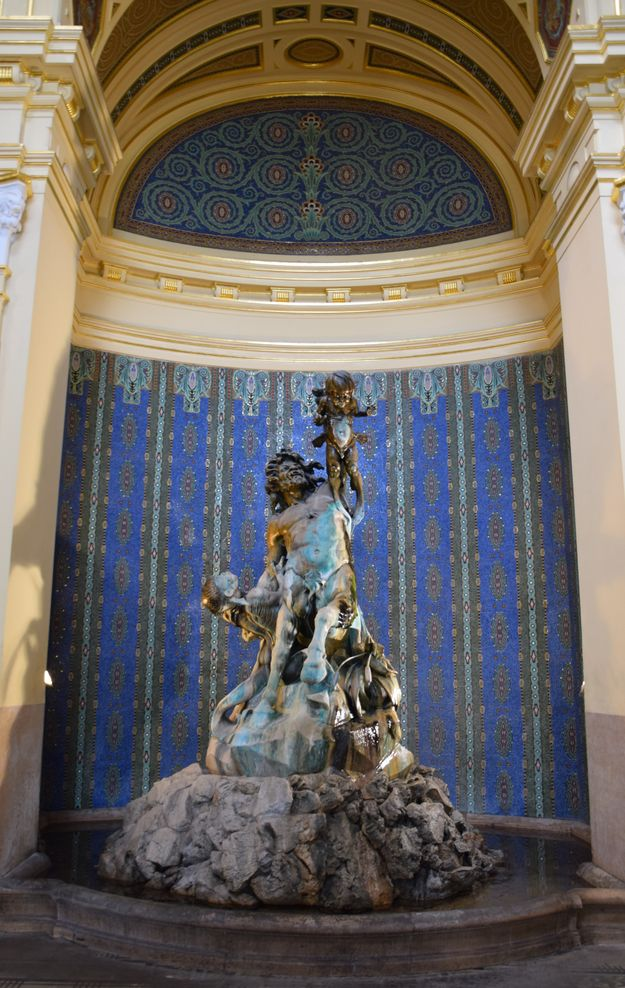 fontaine bains szechnyi Budapest Hongrie Hungary