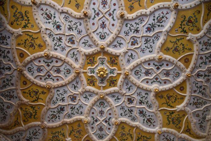 plafond céramique musée arts décoratifs Budapest Hongrie Hungary