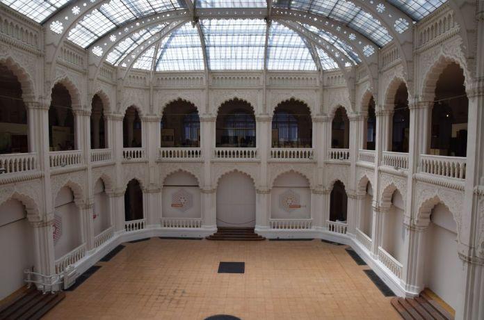 nef centrale musée arts décoratifs Budapest Hongrie Hungary