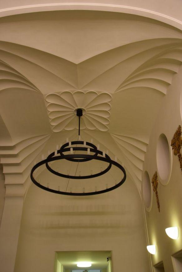 plafond digi24 Aigle noir Oradea Roumanie