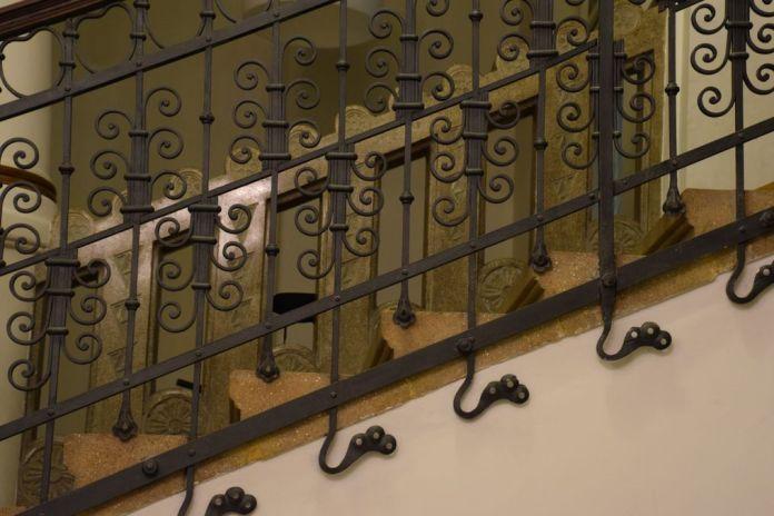 ferronerie Digi 24 Aigle noir Oradea Roumanie