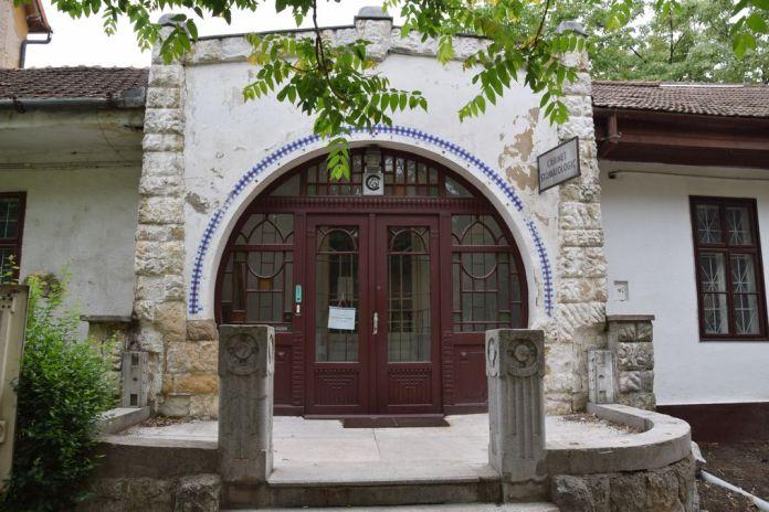 latéral hôtel Parc Oradea Roumanie