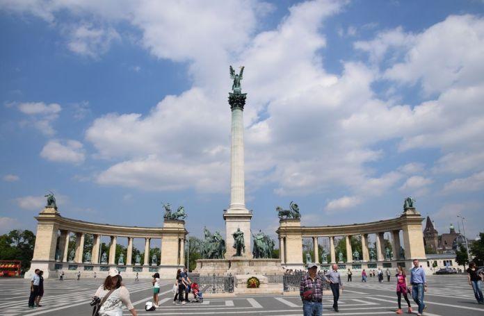 place des héros esplanade Budapest Hongrie Hungary