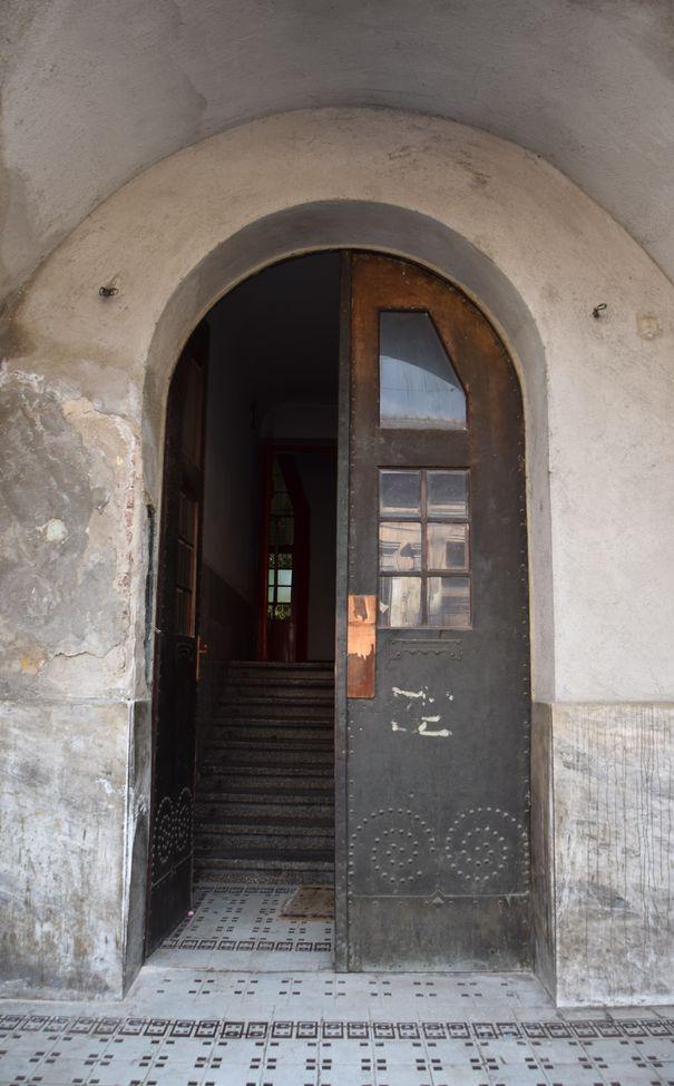 entrée Villa Darvas Laroche Oradea Roumanie