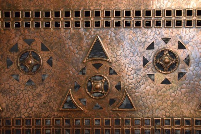détail cache radiateur Villa Darvas-Laroche Oradea Roumanie