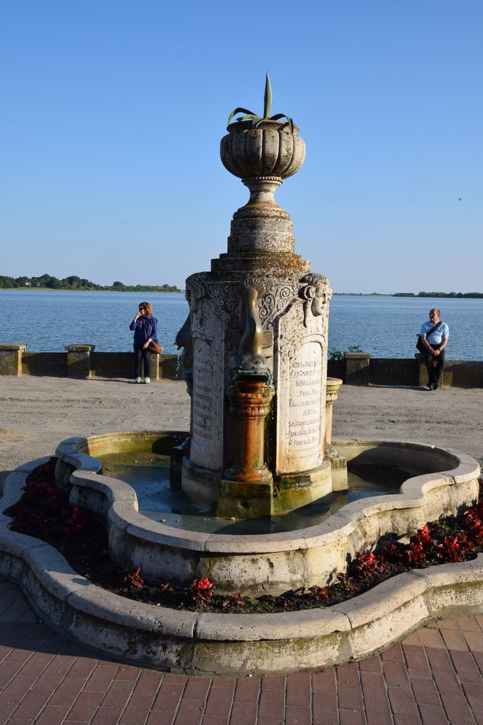 fontaine du mémorial Palic Serbie