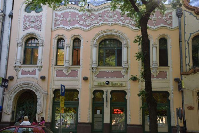 guirlandes de fleurs Art nouveau Subotica Serbie.