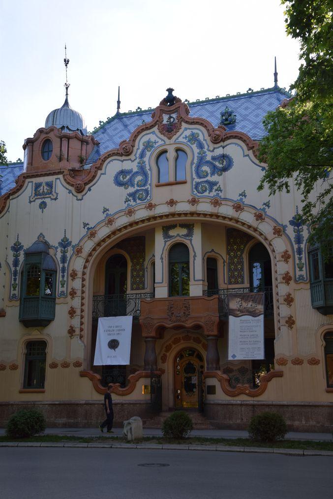 palais Raichle Courbes volutes Subotica Serbie