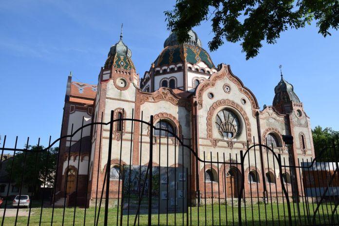 synagogue Subotica Serbie