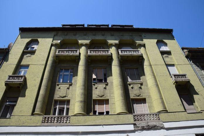 colonnes Art nouveau Art déco Szeged Hongrie