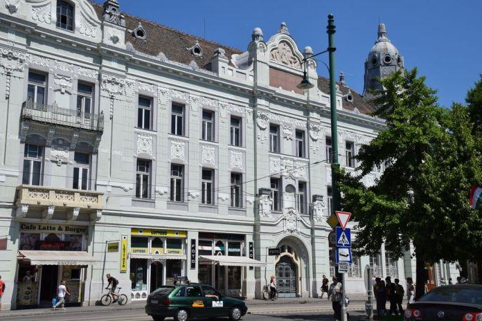 place de la mairie de Szeged Hongrie